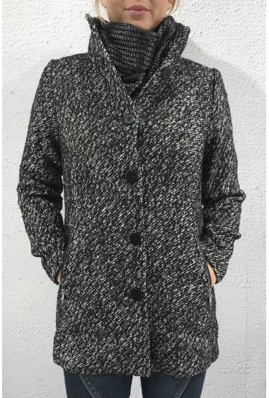 Venia Coat Black/White