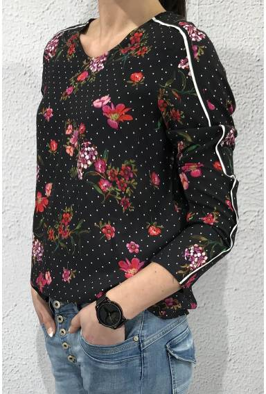 Blouse printed with piping Black