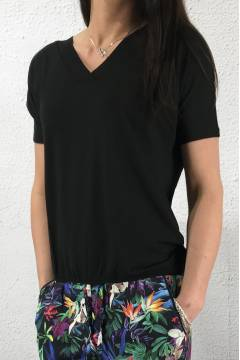 Shirt v-neck Black