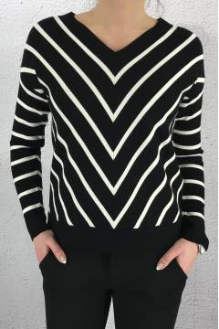 Pullover v-stripes Black