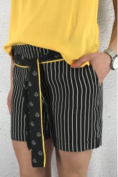 Shorts striped MW loose fit Black/White