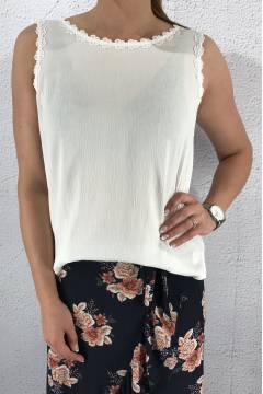 Top lace tape flower White