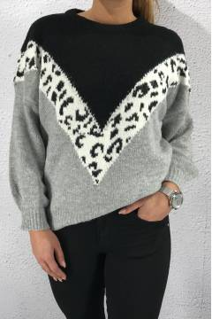 4488 Sweater knitted Animalprint