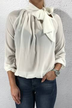 Blouse with Bow Offwhite
