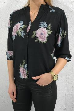 81160 Blouse alloverprint Roses Black