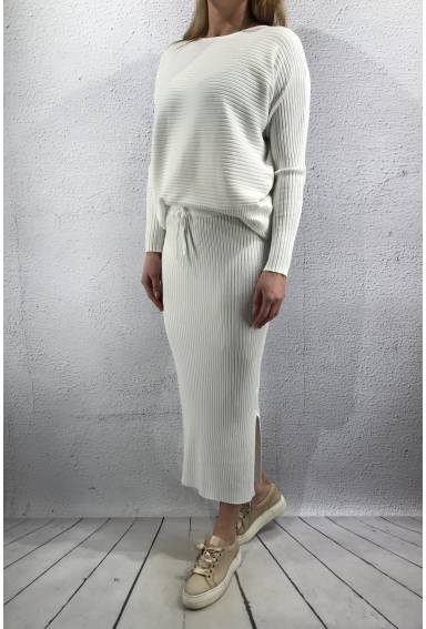 2020 Knitted set Sweater & Skirt Creme