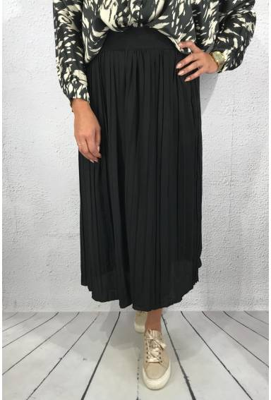 3185 Skirt Pleated Black