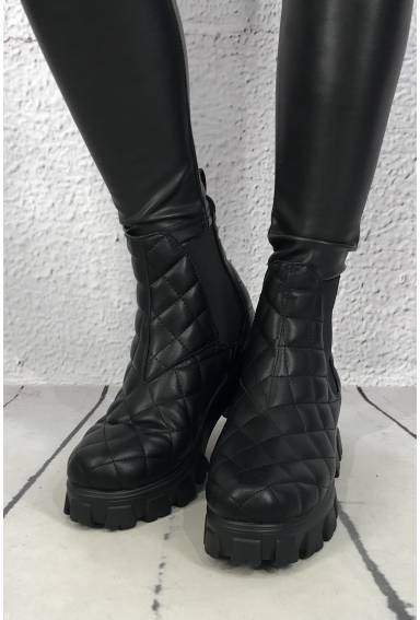 Boots quilting Black